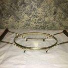 Vntg gold metal wire teak wood handle casserold dish holder stand oval 6x8 base