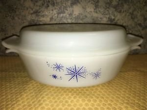 FIRE KING oval milkglass atomic star sputnik MCM white blue 1.5 qt casserole lid