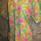 Bright green pint flowers PEACHES v-neck scrubs top nurse medical uniform size M