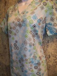 SB SCRUBS v-neck blue geometric uniform top dental medical nurse vet uniform XS