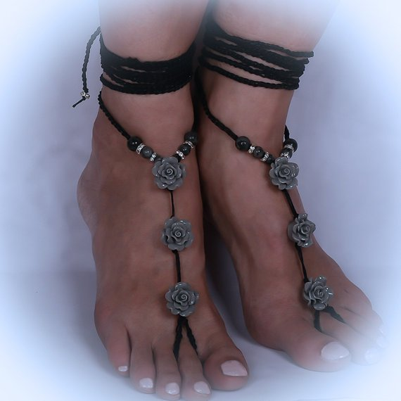 Crochet sandals with grey roses