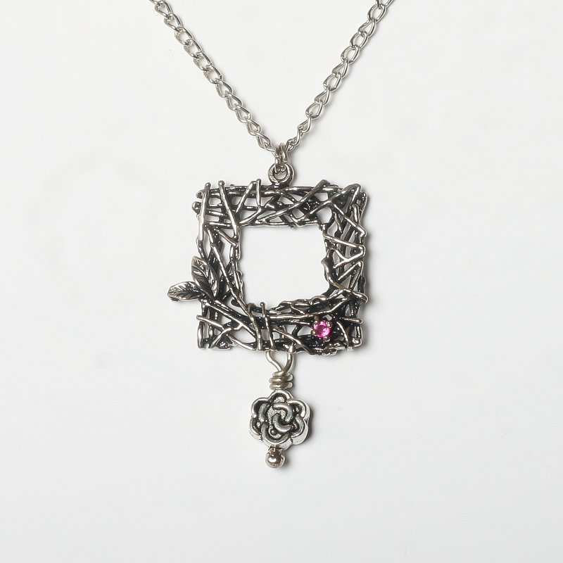 Necklace ruby flower