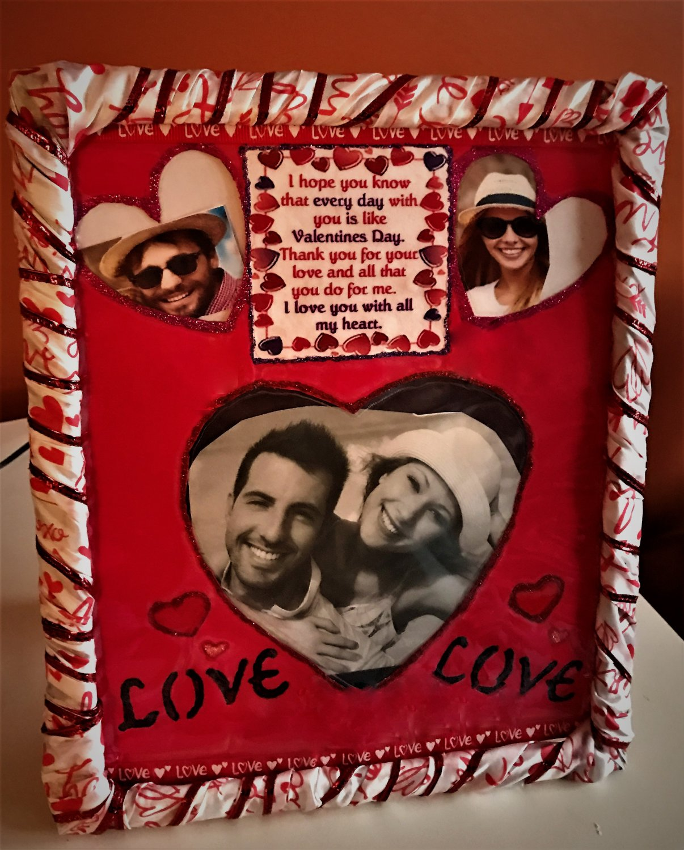 Valentine�s Day Decorative Photo Frame- 3 interchangeable mat designs