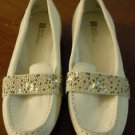 White Mountain leather suede off white slip on loafers moccassins flat shoes 6.5