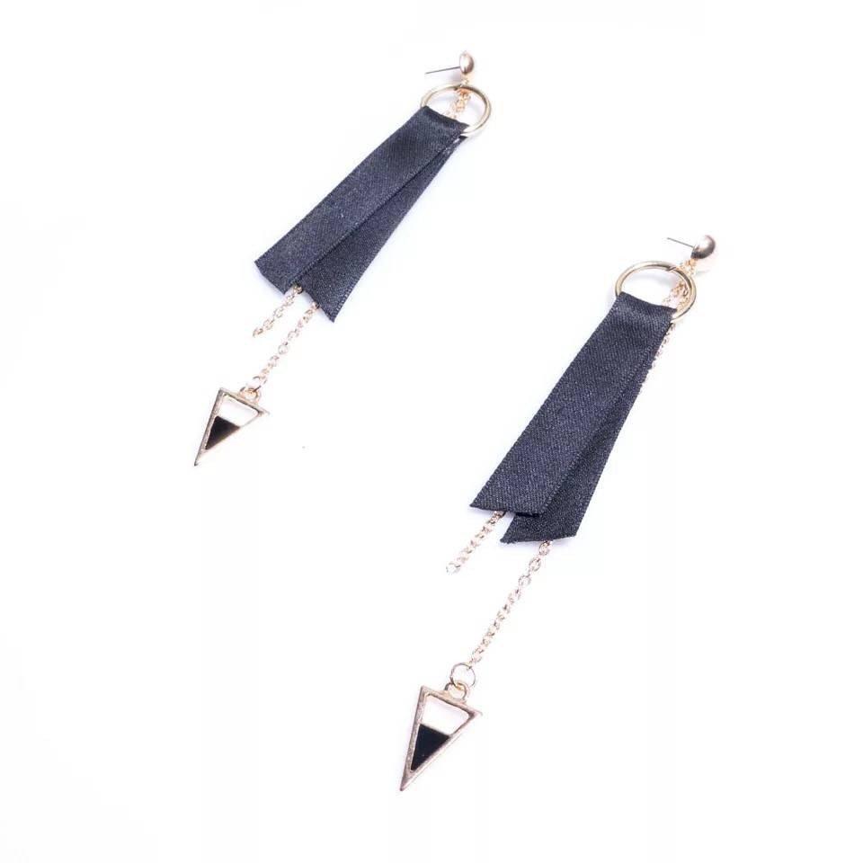The new creative ladies folk style geometric pendant earrings