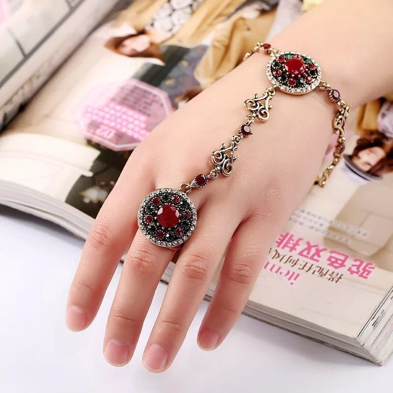 Europe exaggerated retro folk style carved Diamond Ring Bracelet alloy opening integrated Bracelet