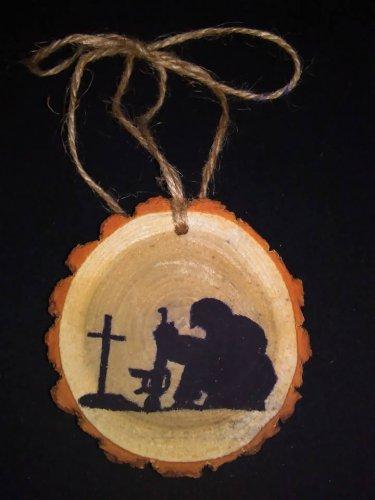 Praying Soldier Rustic Wood Ornament OOAK (EC00)