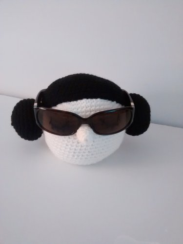 Princess Lea eye glass holder