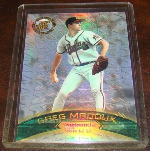 Greg Maddux 1996 Stadium Club Top Rated Extreme Player Insert Baseball Card