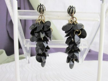 """1950s Vintage Black Disk Acrylic Bead Cha-Cha Earrings Clip On 2"""" Long Unsigned"""
