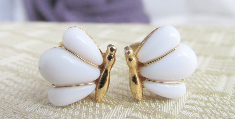 "Vintage AVON Dainty White Glass Butterfly Earrings Gold Tone 1/2"" Clips Signed"