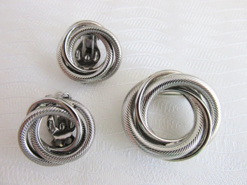 1960s Vintage Intertwined Circles Pin & Clip Earrings Set Silver Plated