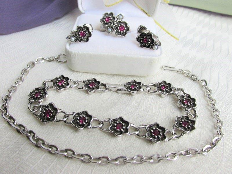 Vintage AVON Rosegay Silvertone Choker / Bracelet Earrings Ring SM Rhinestones
