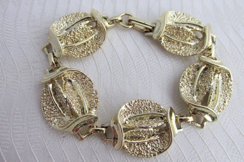 "Vintage Chunky Textured Heavy Gold Plate Link Bracelet 7.5"" Double Leaves"