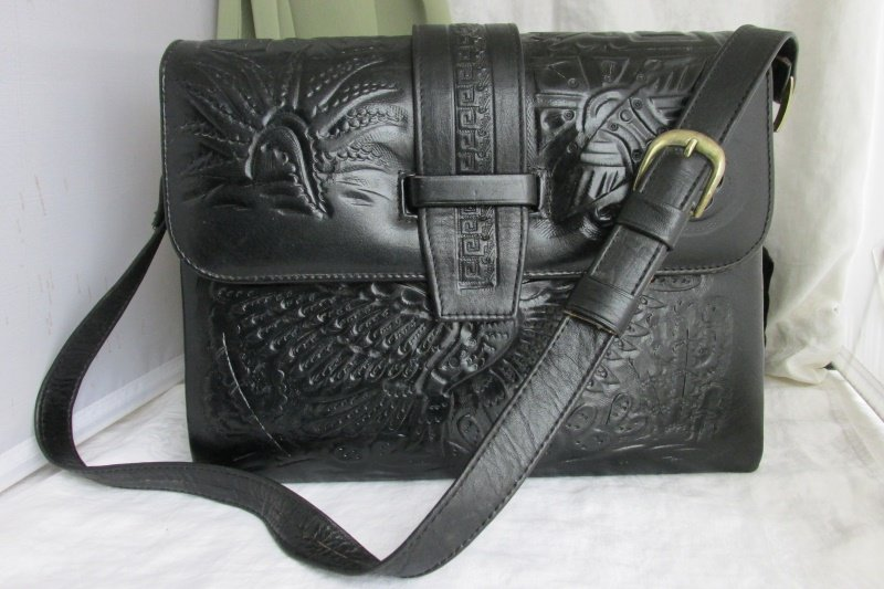 Vintage Mexico Hand Tooled Black Leather Handbag Purse Azetec Design Excel Cond