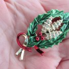 Vintag Gerry's Christmas Oval Holly Wreath Berry Pin Gold Plate Red Green Enamel