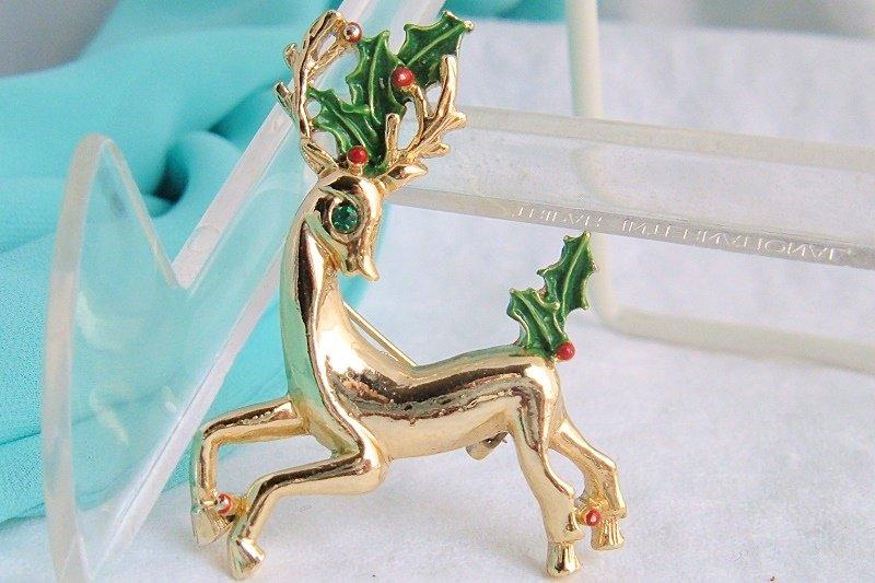 Vintage Gerry's Reindeer Antlers Holly Berry Pin Gold Plated Rhinestone Enamel