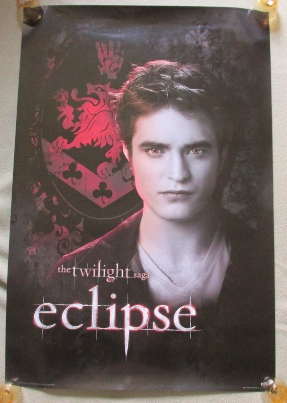 Twilight Saga Eclipse Edward Portrait Family Crest Poster 24x36 Robrt Pattinson