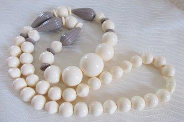 1989 Vintage Avon  Ivoryesque Patterns Necklace Cream Mocha New Old Stock NIB