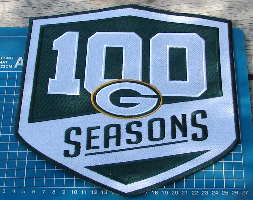 """2018 GREEN BAY PACKERS 100 SEASONS COMMEMORATIVE PATCH FOOTBALL 10"""" EMBROIDERY"""