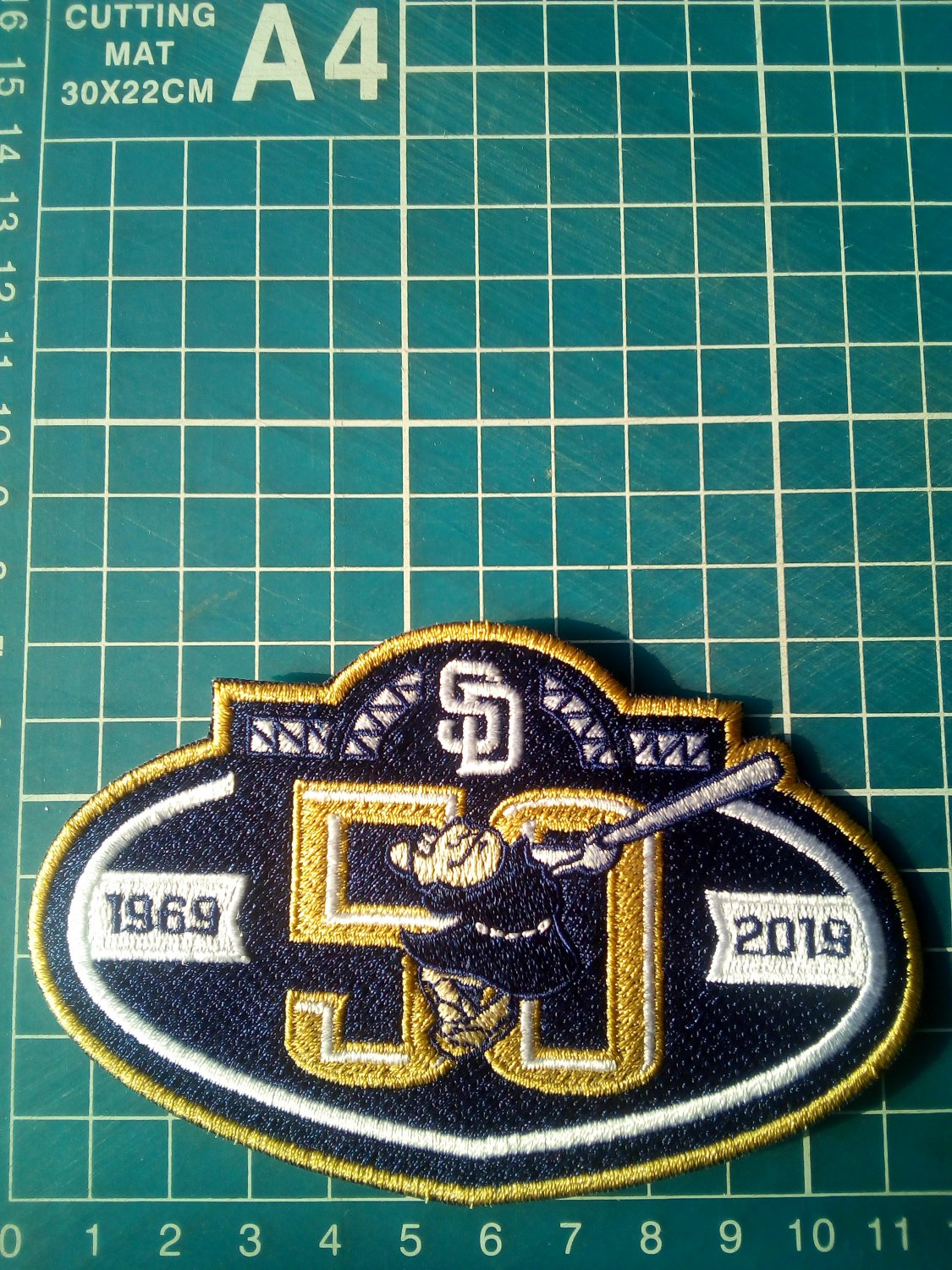 """2019 San Diego Padres 50th anniversary Baseball-MLB Patch 4.5""""Jersey Embroidered"""