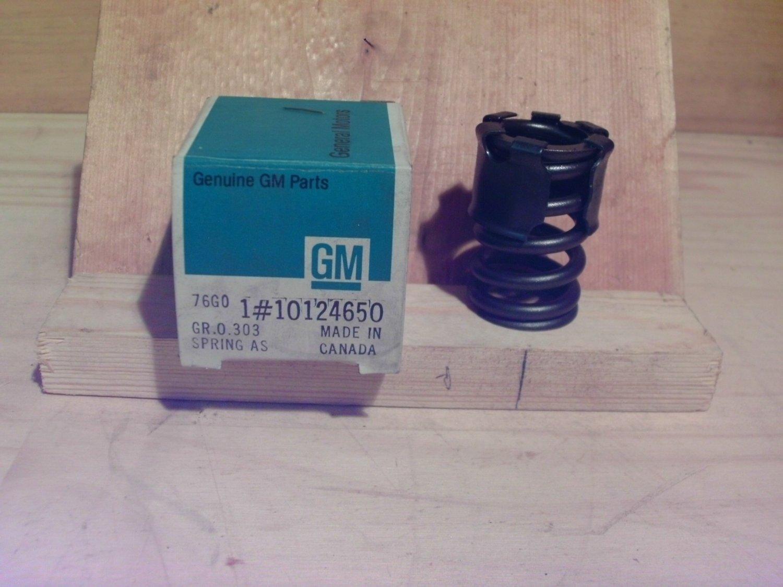 10124650 GM NOS Engine Part Valve Spring 1991-93 2.5L 4-cylinder