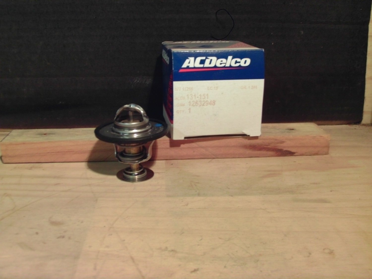 ACDelco 131-151 GM OE 12632948 Thermostat