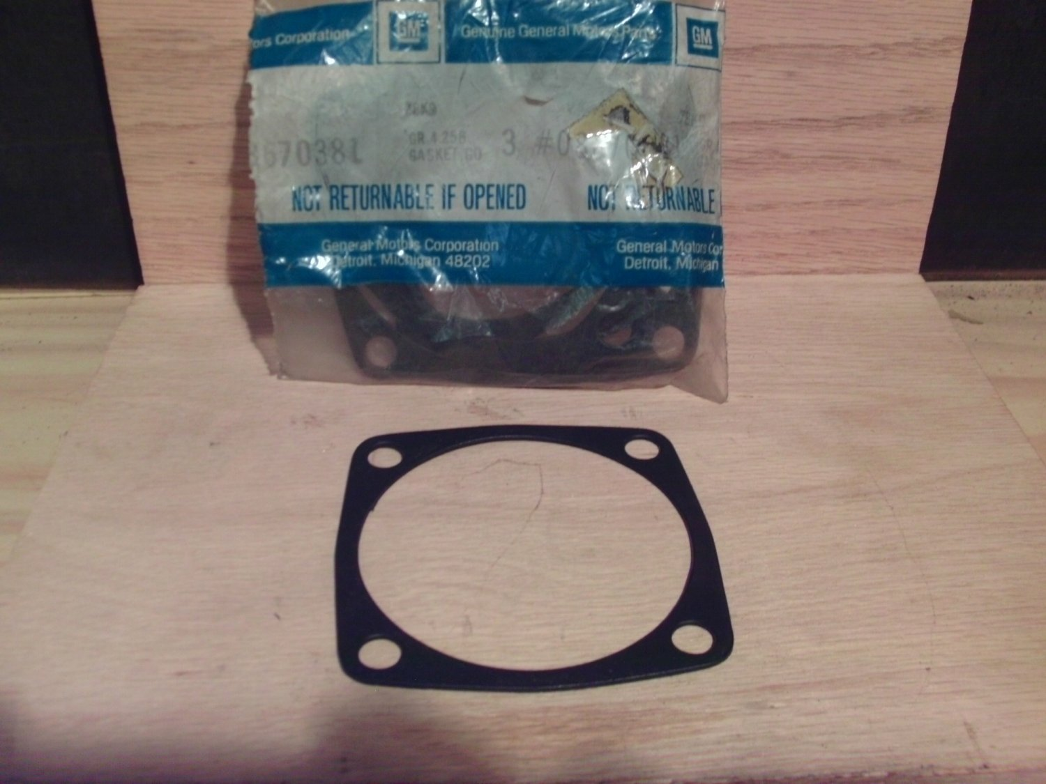General Motors 8670381 Original Equipment OE NOS Gasket
