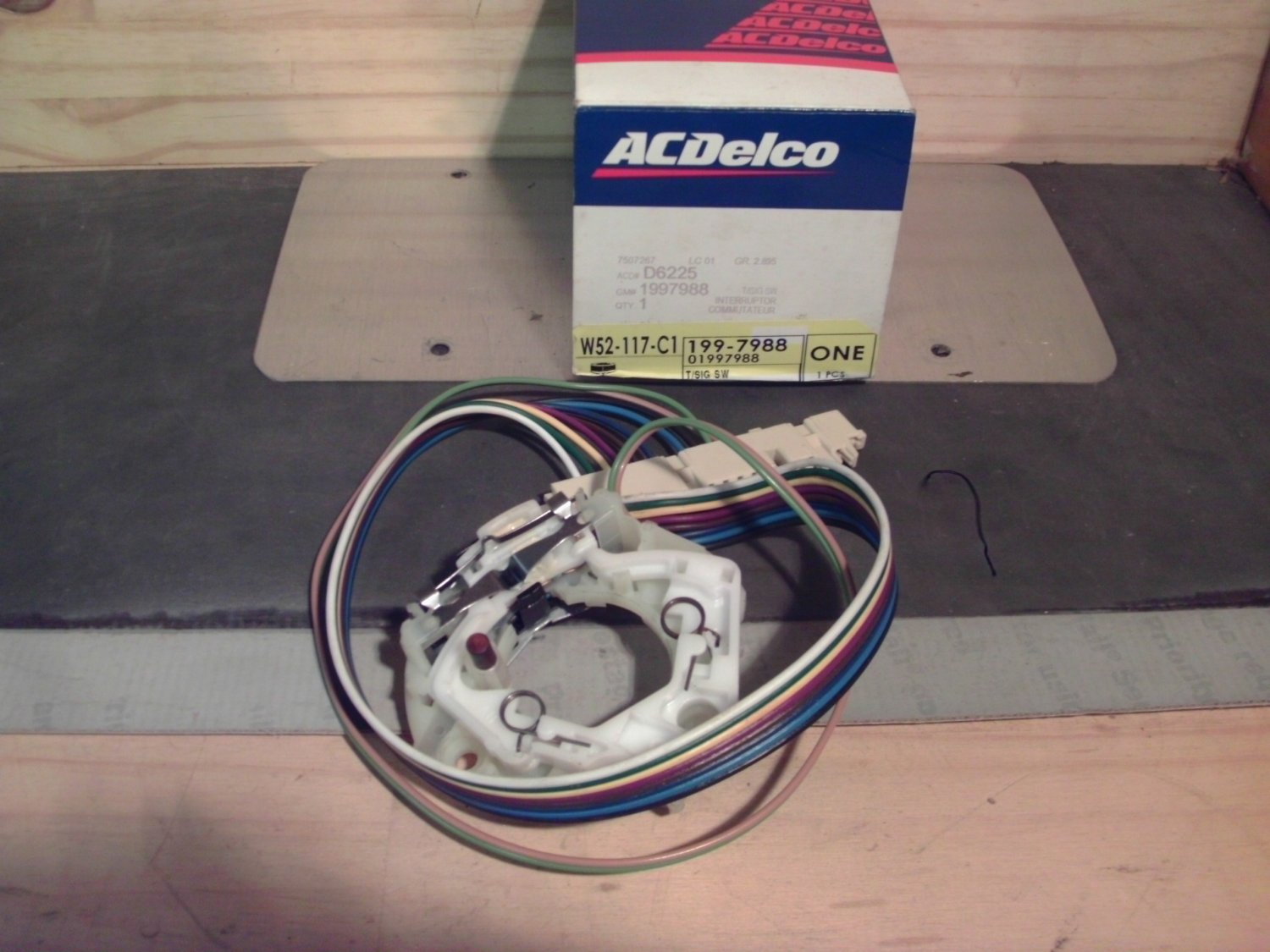 ACDelco D6225 General Motors GM 1997988 Turn Signal Switch