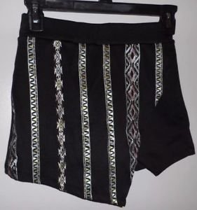 ABOUT A GIRL Brand JUNIORS Sz XS Aztec Print Black Skort Cute! Free Shipping