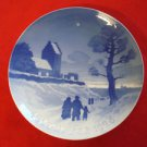 "1926 Bing & Grondahl B&G Christmas Plate "" Churchgoers on Christmas """