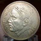 WW2 WWII German Adolf Hitler coin medal nazi