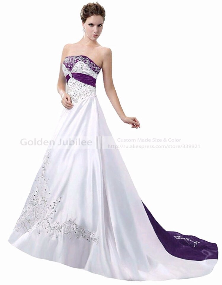 Elegant Embroidery Vintage Floor Length Gown W/ Color Accent
