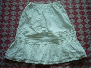 Hong Kong Flower Boarder Skirt w/ Lace