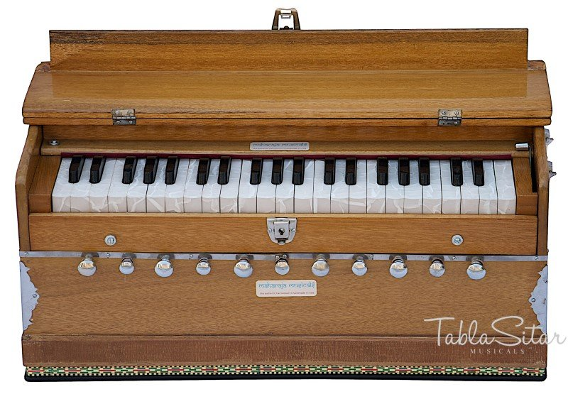 HARMONIUM No.5600n/A440/11 STOP/COUPLER//MAHARAJA�/42KEYS/NATURAL/BOOK/BAG/AAE