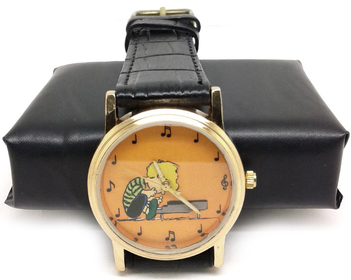 SCHROEDER ON HIS PIANO VINTAGE PEANUTS MUSICAL NOTATION ART UNISEX WRIST WATCH