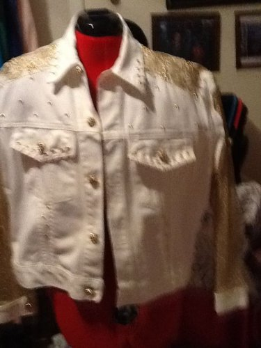 unique BRIGHT WHITE Jacket and SKIRT w/Gold EMBELLISHMENT SIZE 10 SET