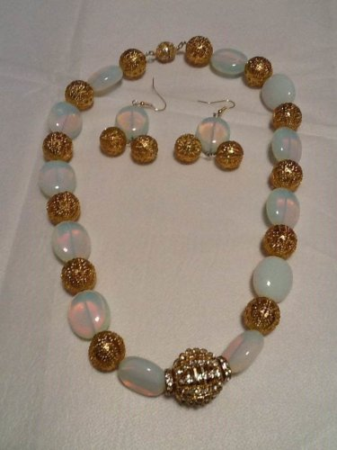 """Handmade Gold Plated Beauty 12"""" Strand Opalite Pillow Beaded  Stainless Steel"""
