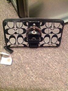 Coach Signature Black Zip Around Wallet NWT2