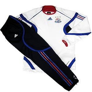 06 Training Suit