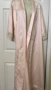 CHRISTIAN DIOR SILKY LACE ROBE SIZE L VINTAGE PINK FULL LENGTH FLAW AT BOTTOM L