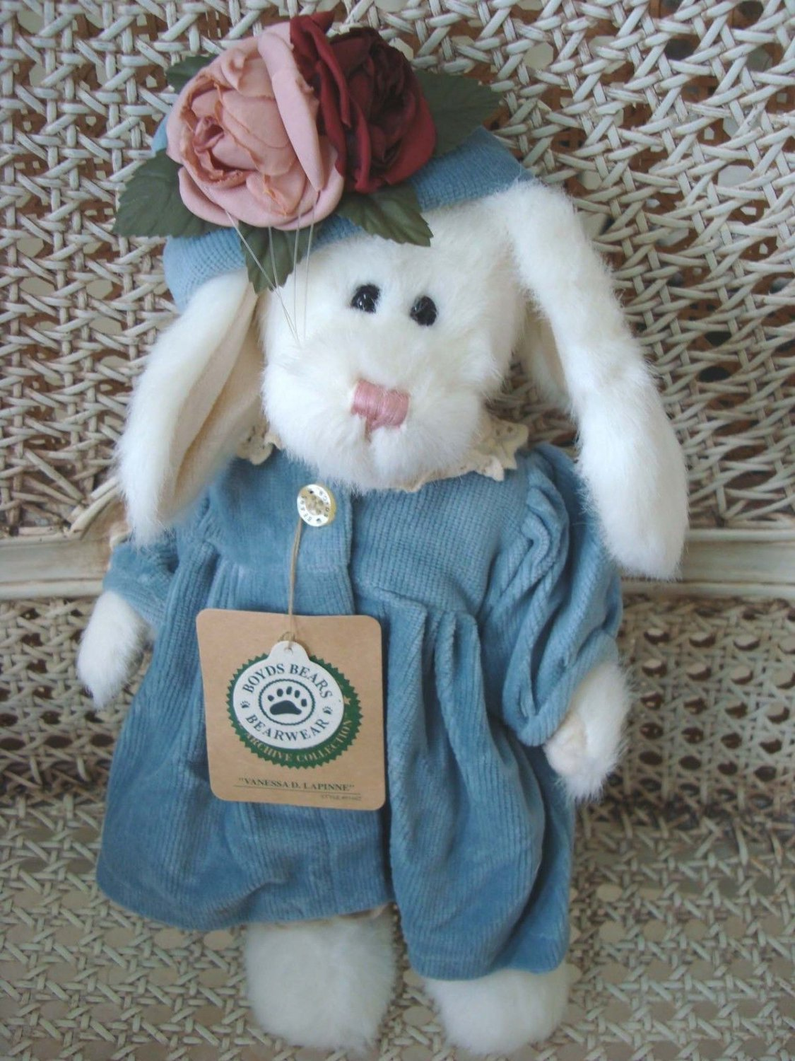 """BOYDS VANESSA  D. LAPINNE 11"""" TALL BUNNY WITH FLOWER ON HAT ***NEW STORE STOCK**"""