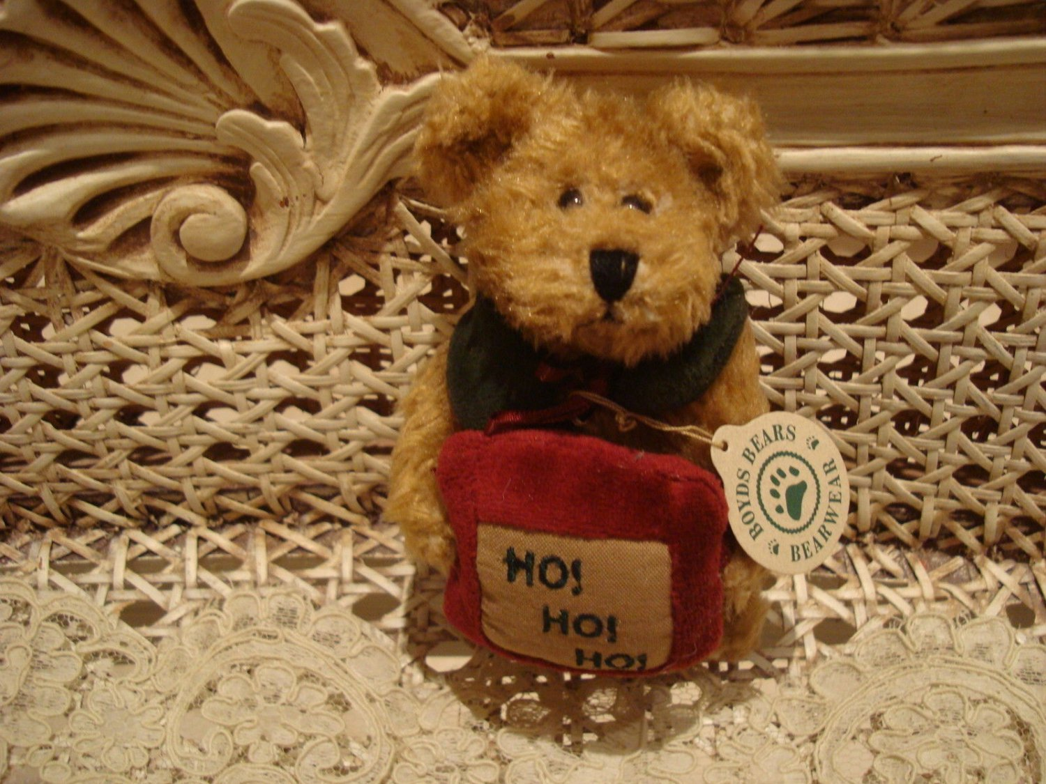 "BOYDS ARDYTH 5"" 1998 RETIRED CHRISTMAS BEAR W/ HO HO HO PILLOW *NEW STORE STOCK*"