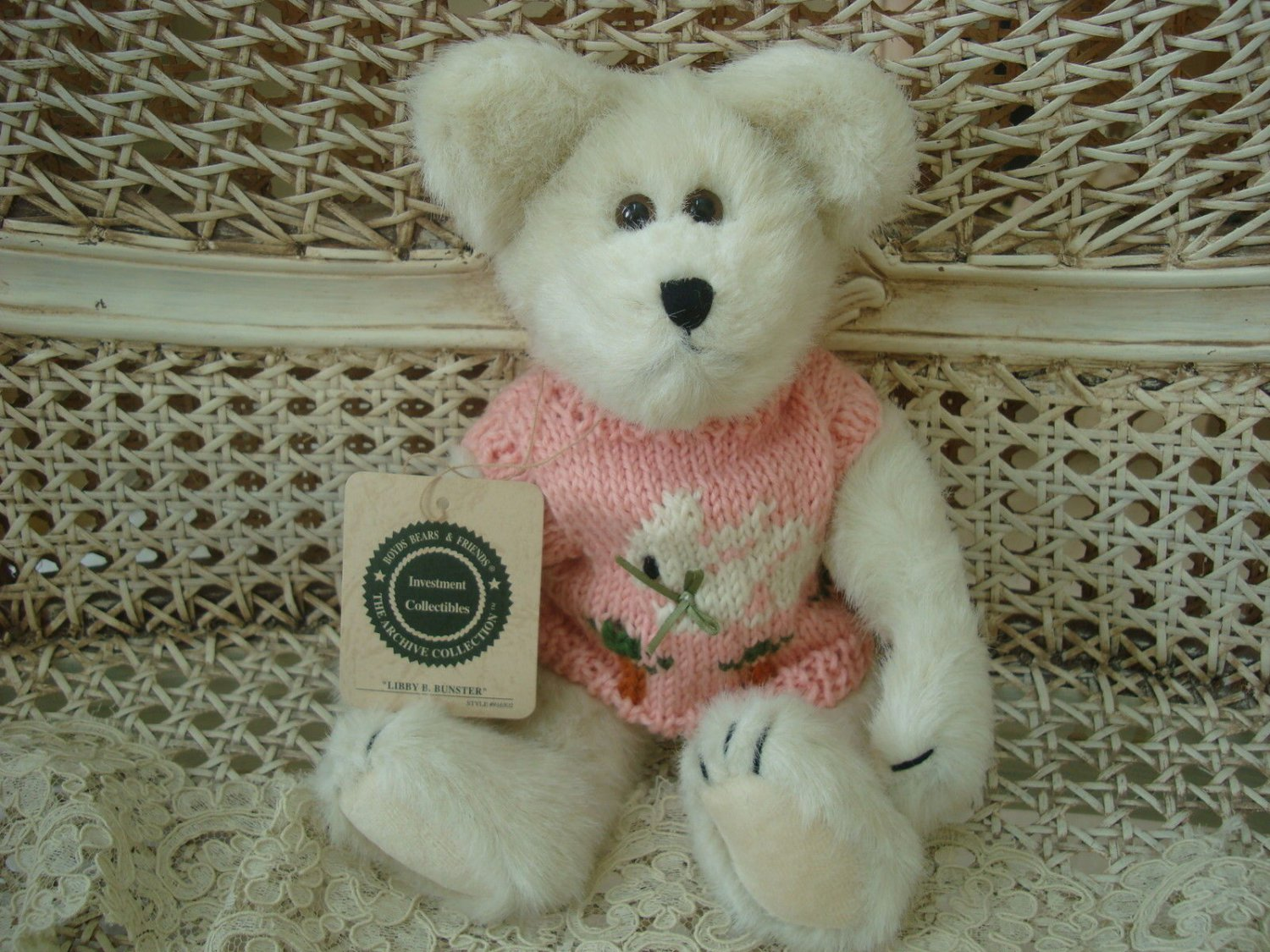 """BOYDS LIBBY B. BUNSTER 10"""" EASTER BEAR WITH BUNNY SWEATER  **NEW STORE STOCK***"""