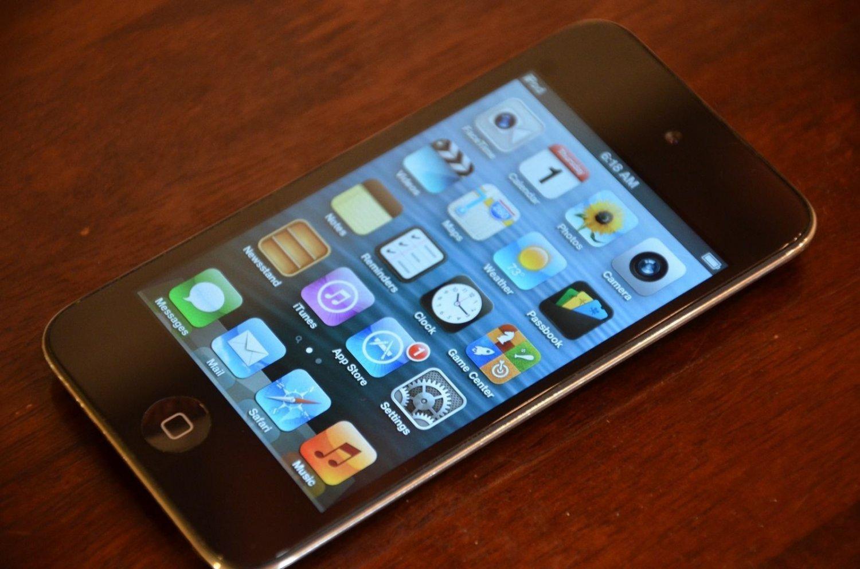 iPod Touch 32gb - 4th gen * FLAWLESS SCREEN*