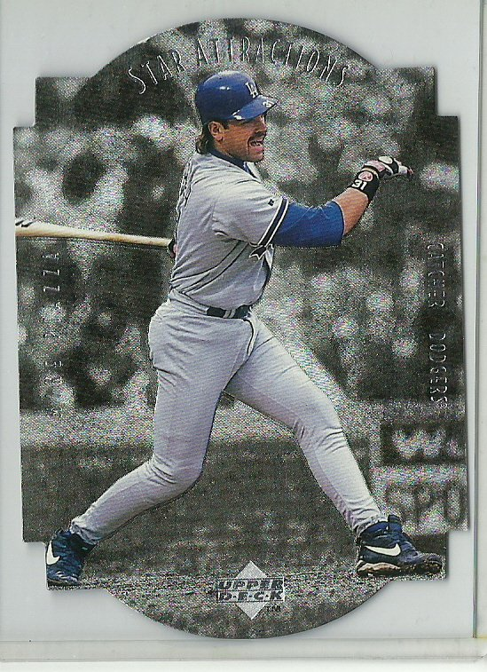1997 Upper Deck Star Attractions Mike Piazza No. SA15