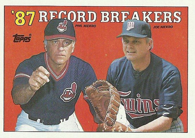 1988 Topps Phil Niekro, Joe Niekro No. 5
