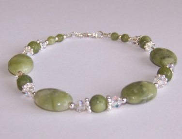 Crystal Jade Bracelet handmade beaded bracelet by Sapphire Rain Designs