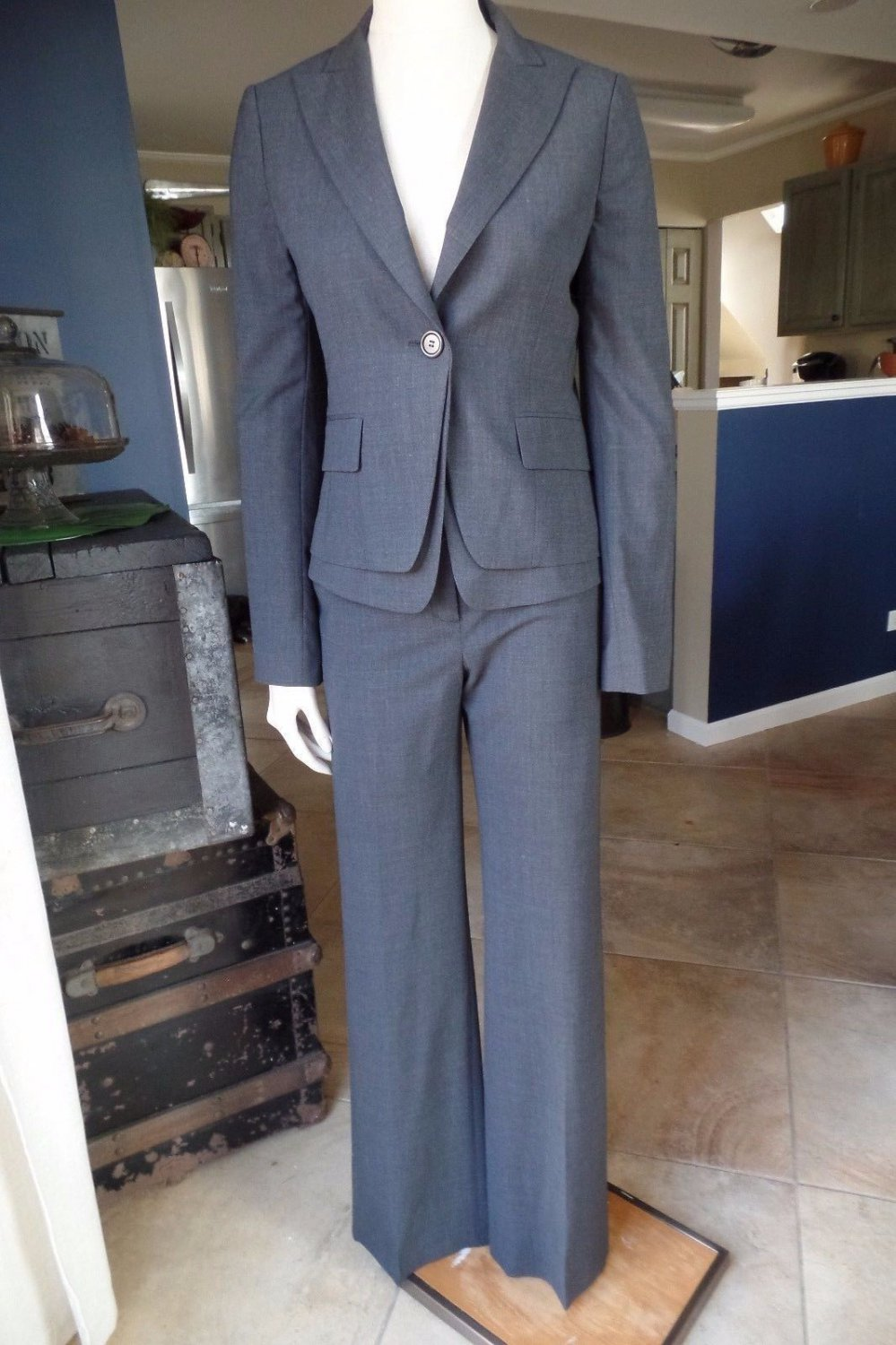 BCBG MAXAZRIA Gray Wool Blend Layed Blazer And Pant Suit S/4