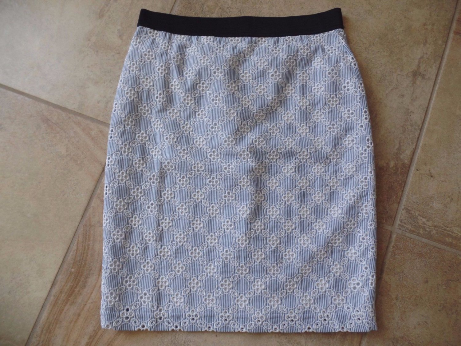 NWT ANN TAYLOR Blue Eyelet Lace Pencil Straight Skirt 8